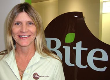 Bie Dental's team leader completes her management and communication studies