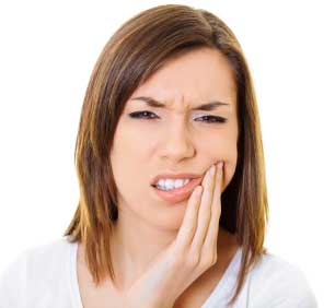 pain may be felt if a tooth is fractured